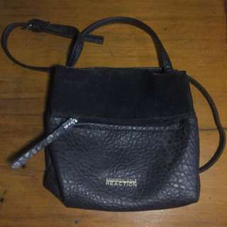 Original kenneth cole reaction sling bag