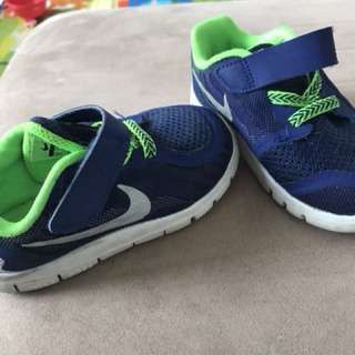 Nike Toddler Shoes Size 7