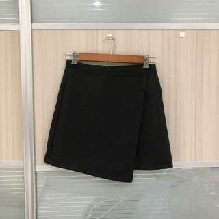 Hollyhoque Black Wrap skirt