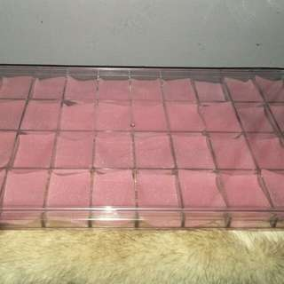 Storage container with small dividers
