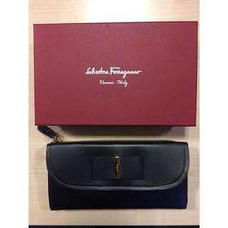 Ferragamo calfskin wallet with iconic bow