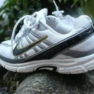 kasut running jogging nike