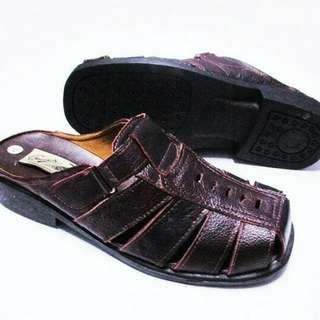 Sepatu sendal IDR 85rb size 39 _