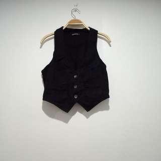 Terranova black vest