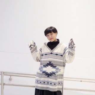 🚚 白色 針織民俗圖騰 連帽毛衣 長版針織毛衣