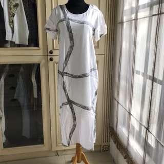 Animale pattern white dress