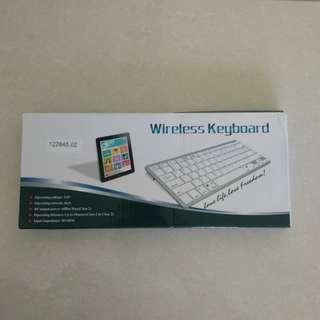 Bluetooth Keyboard white