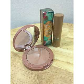 Tarte Amazonian Clay 12-Hour Blush (sensual) & Benefit Dew the hoola mini