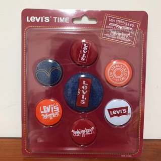 🚚 LEVI'S 收藏別針組