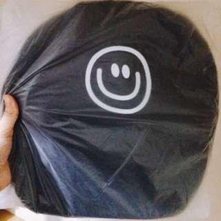 微笑後背包
