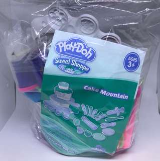 New Playdoh Cake Mountain Set