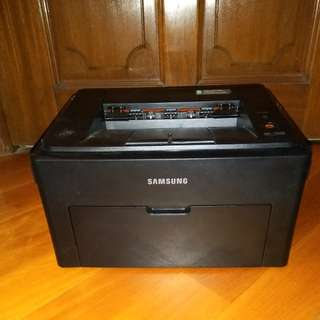Samsung laser printer b/w 99.9%new 100%work, office equipment/ homework printer, cost effective