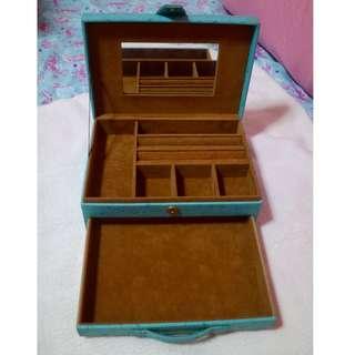 Jewelry/accesory box