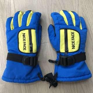 Kids ski gloves