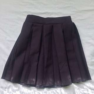 Pleated high waisted mini skirt