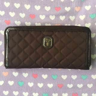 Authentic Guess Zip Quilted Wallet Brown