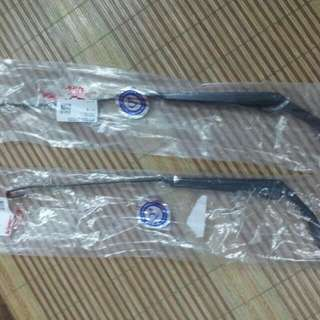 Wira Wiper Arm 2pcs Left n Right Rm70