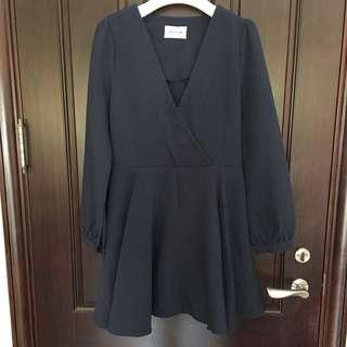 🚚 韓國V領長洋裝