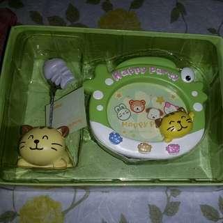 Cute kitten photo frame and card holder