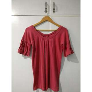 Ruffled-sleeve pink-red shirt