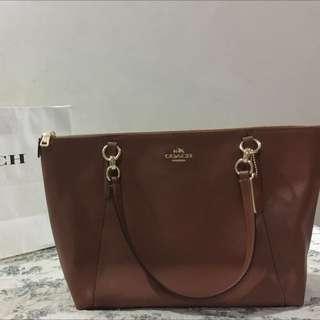 Ava Tote in Crossgrain Leather