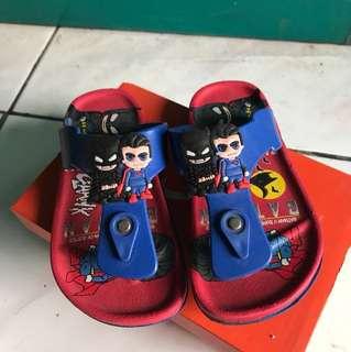Sandal krakter batman supermen