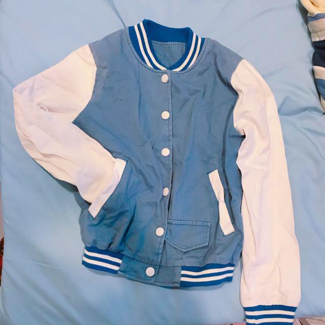 藍白棒球外套