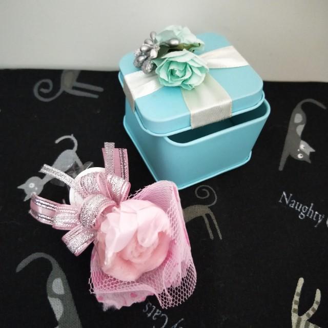 《待上架》粉色玫瑰肥皂+湖水綠鐵盒