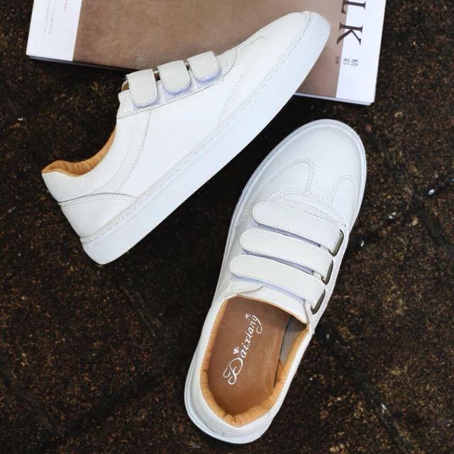 白色 無印良品風格休閒皮革鞋