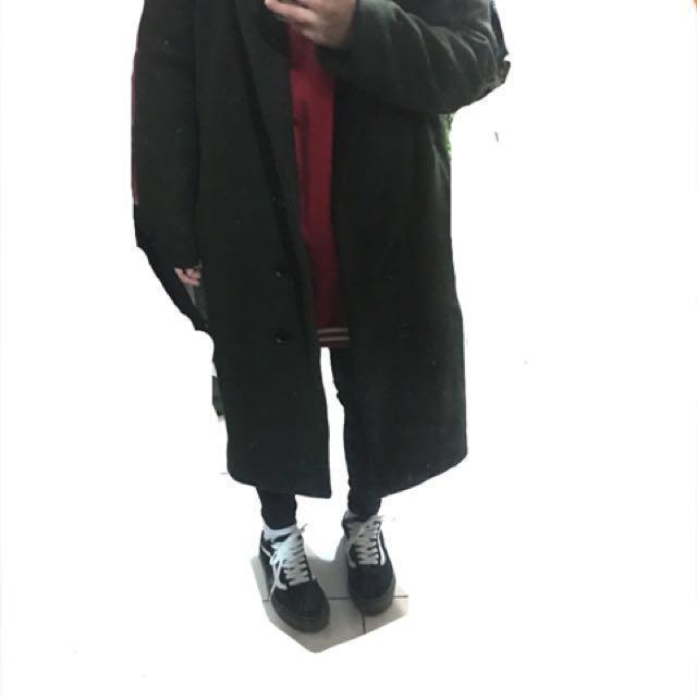 深綠色 穿起來很歐膩ㄉ大衣外套