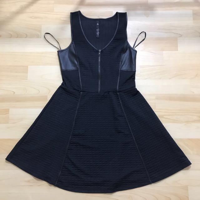 Black dress by jessica sipson