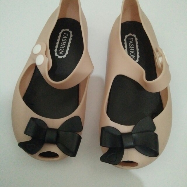 bow jelly shoes new