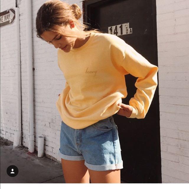 Brandy Melville 黃色 honey 刺繡上衣