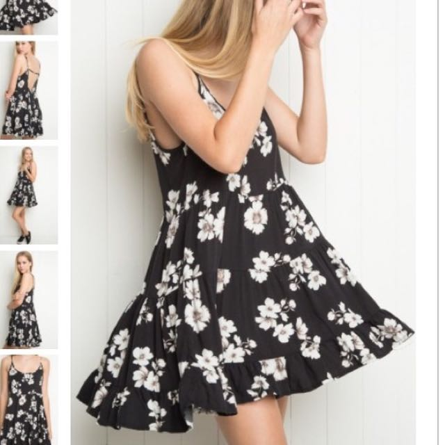 Brandy Melville JADA dress - Small