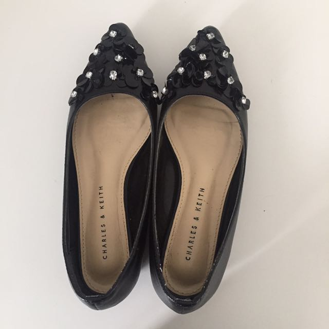 charles and keith flats
