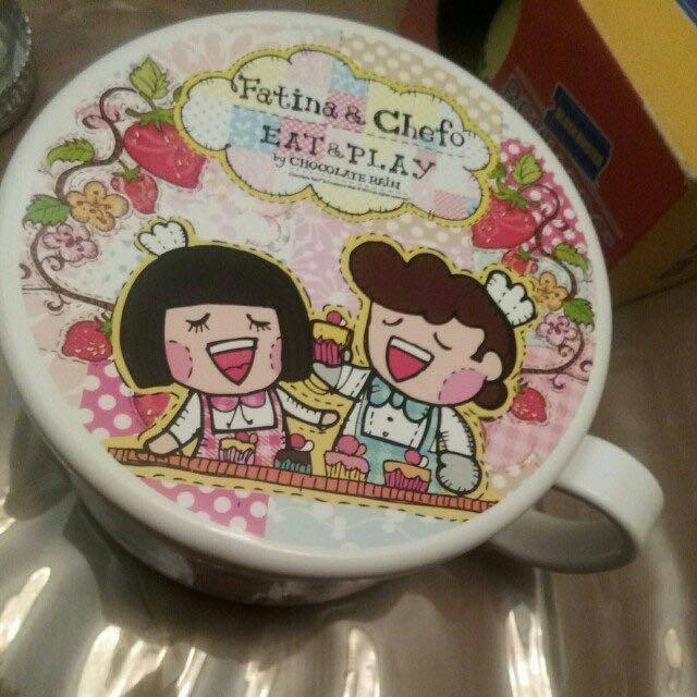 Chocolate Rain bowl plastic