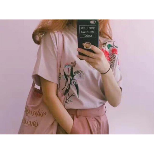 水原希子代言EVRIS粉紅刺繡上衣 花朵刺繡