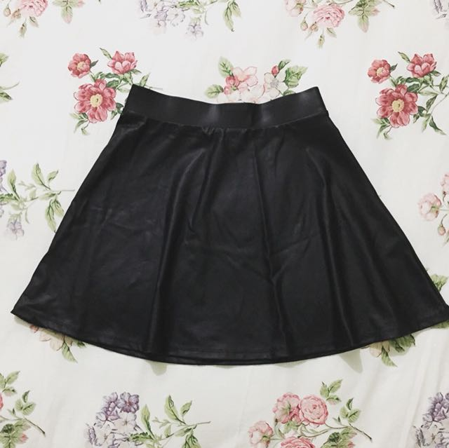 F21 leatherette skater skirt