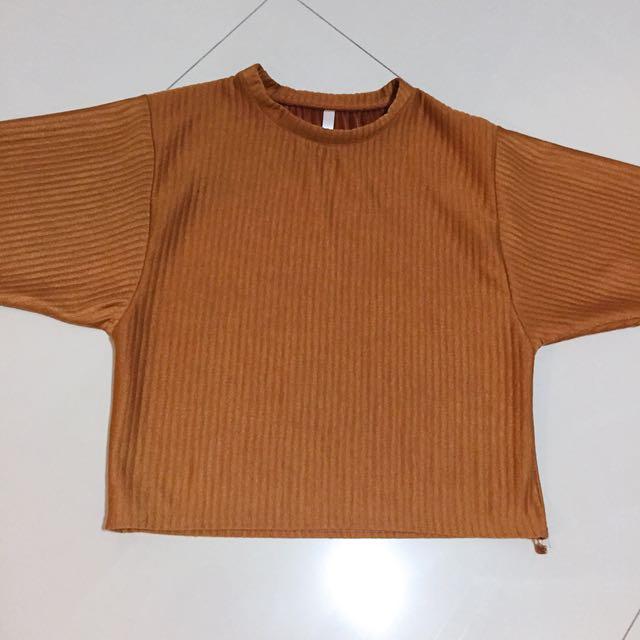褐色寬袖壓印造型上衣/F size
