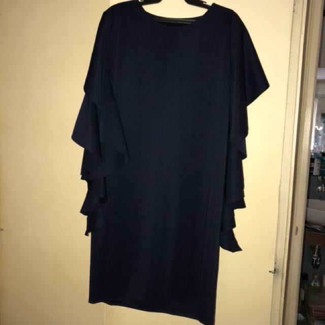 Free size dress; fits large