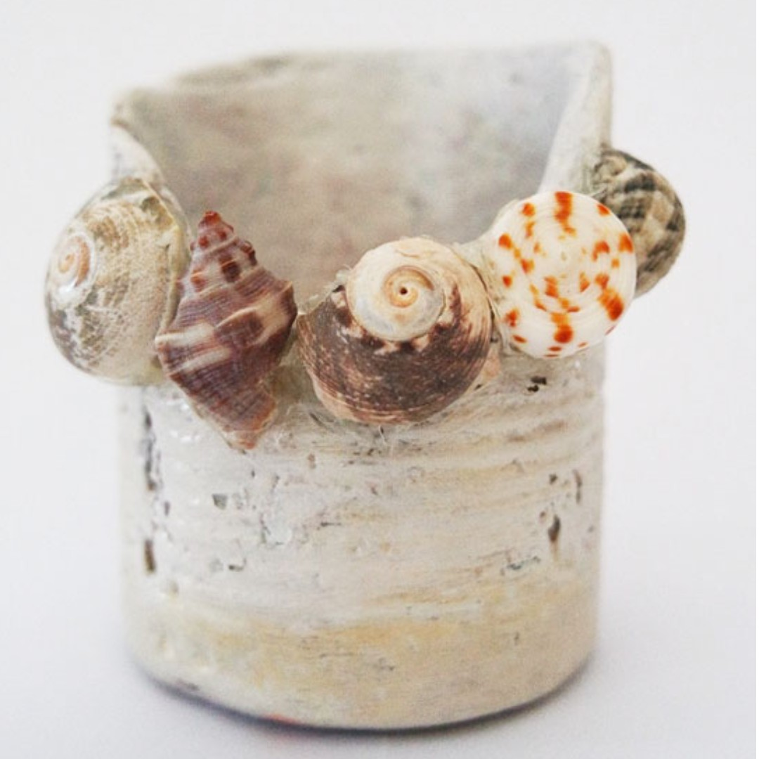 Handcrafted Round Vase with Actual Sea Shells