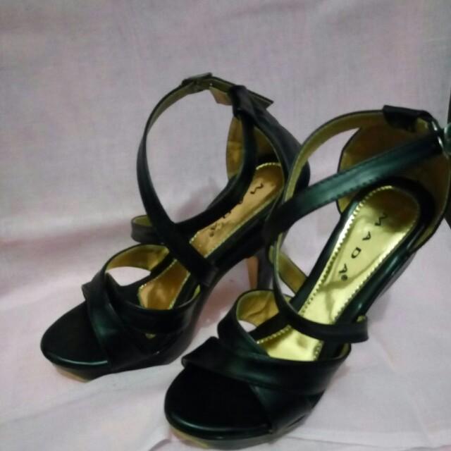 High heel Mada Size 38