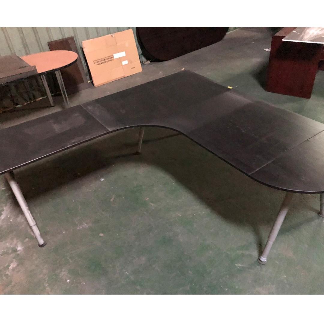 《蘆洲出清代售》IKEA GALANT 實木貼皮, 樺木, 黑棕色 200x200cm 完整 工作桌 辦公桌 自取