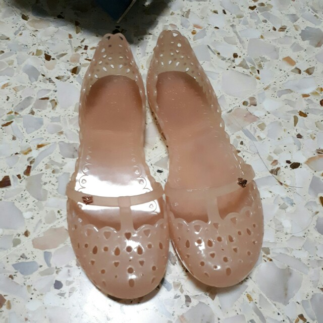 14b82264c4bbe Jelly Bunny Nude Flats, Women's Fashion, Shoes on Carousell