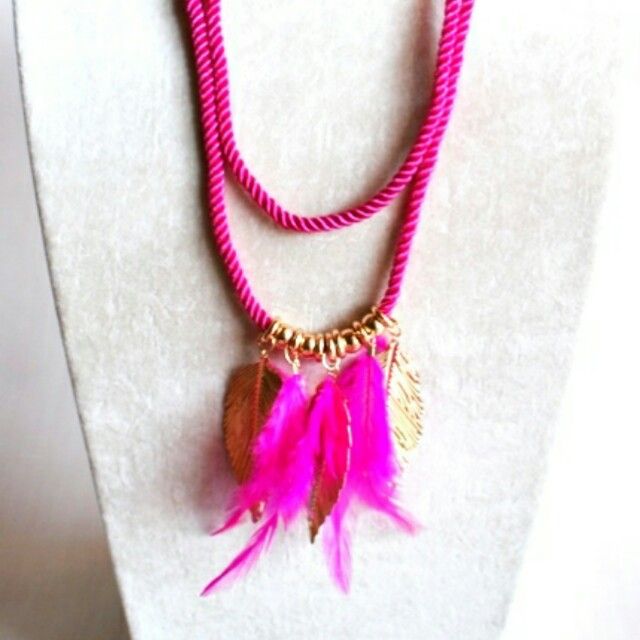 Kalung Fashion Feather Bulu