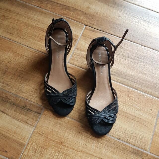 Montego Bay Club Leather Wedge size 7.5