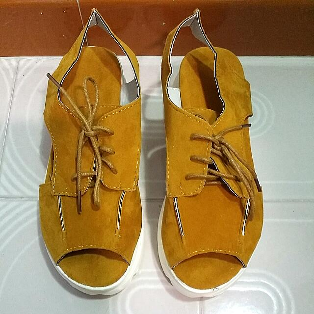 470792d002c New Mustard Yellow Platform Wedges open Toe Shoes - Size 36
