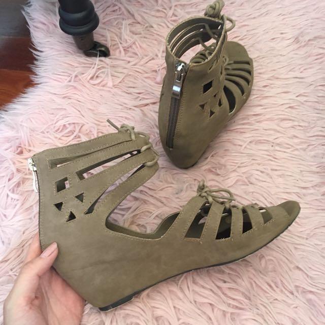 Novo Wedged Heels