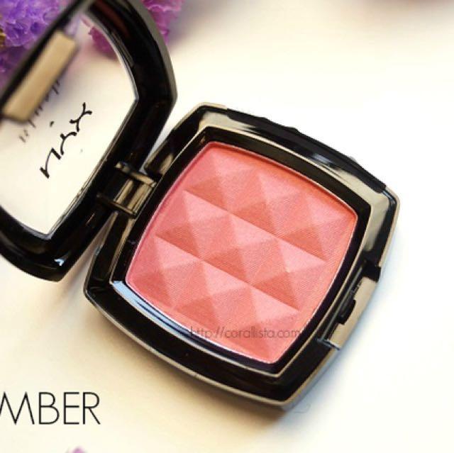Nyx  Powder Blush - Amber