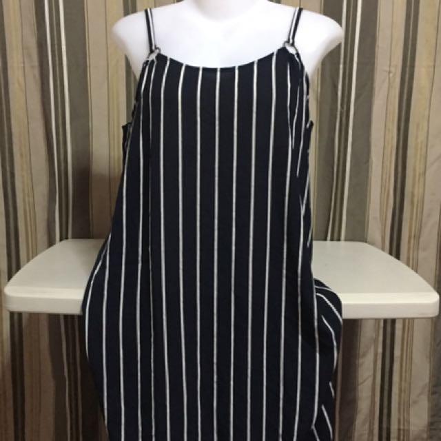 Perfect dress by: jacqueline de yong